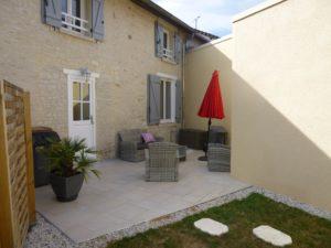 gite chez Jeannine à Fontaine (aube) Terrasse Ext2rieure