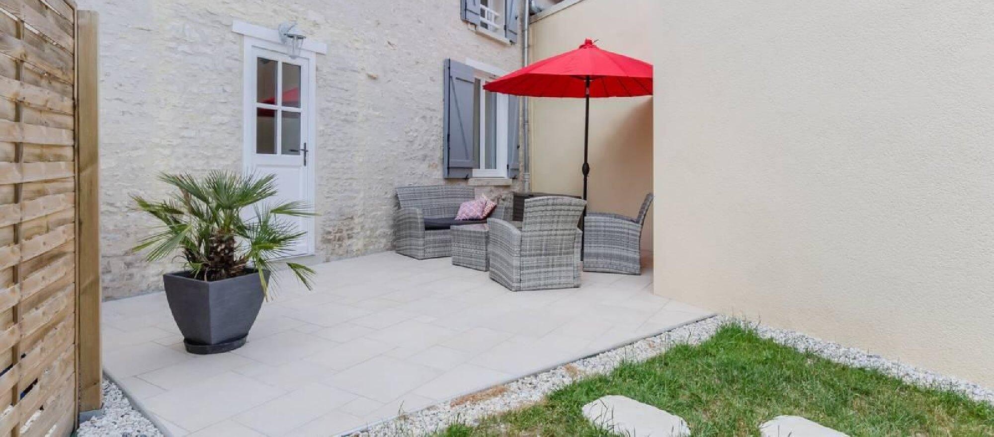 Gite Chez Jeannine à Fontaine (aube) - Terrasse extérieure